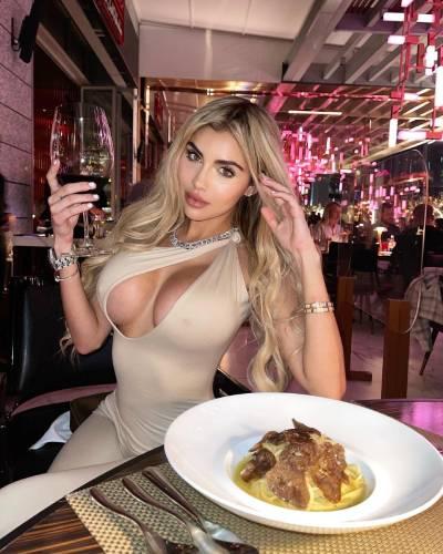 Alexa Dellanos wiki, bio, boyfriend, onlyfan, age, height, weight, measurement, family