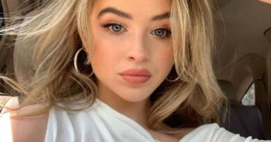 Sabrina Carpenter - Bio, Age, Wiki, Boyfriend, Career, Height, 2021