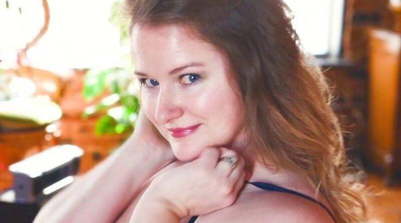 Ellie Renee – age, bio, wiki, height, onlyfan, TikTok, photos, 2021