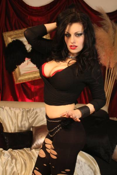 Angelica Raven – age, bio, wiki, boyfriend, height, Wikipedia, measurements